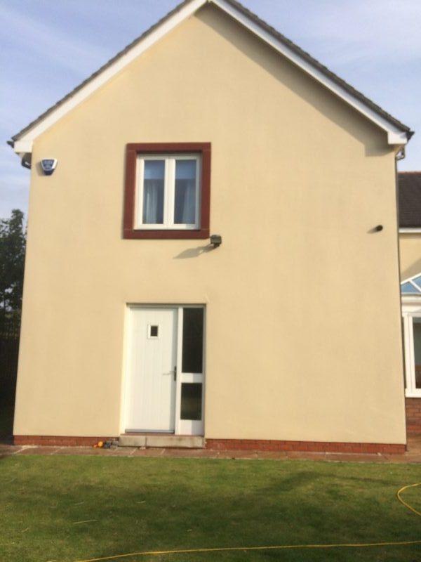 image of render after cleaning www.cleaning-service.uk.com